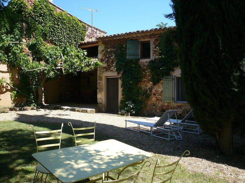 Maison ancienne restauree, au calme, bel environnement., alquiler de vacaciones en Apt
