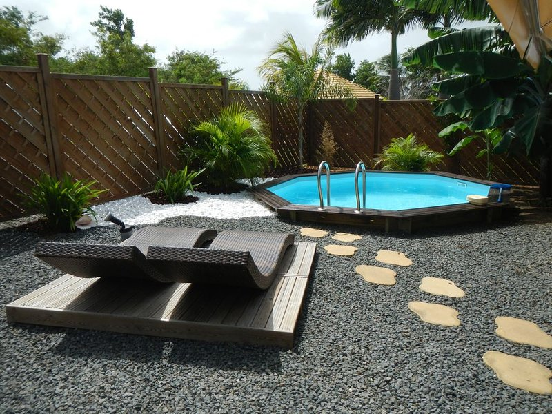BUNGALOW DE CHARME 50 m²PISCINE PRIVATIVE – semesterbostad i Saint Francois