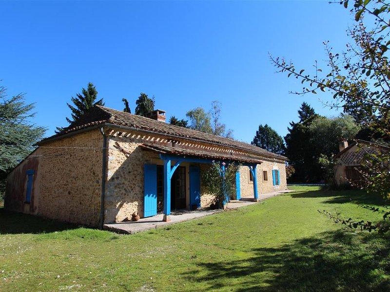 Belle maison en pierre avec piscine privée, vacation rental in Notre-Dame-de-Sanilhac