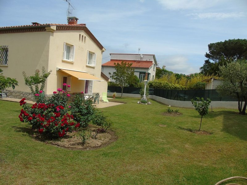 Villa indépendante  à Prades 66500 La maison se situe au 11 chemin St Jean, location de vacances à Prades