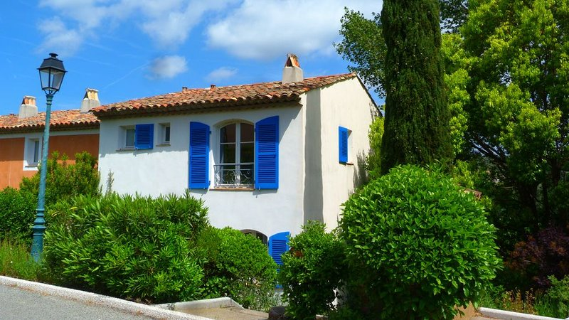 Charmante Villa climatisée à Grimaud 3 chambres 83m2 6/8p, holiday rental in Grimaud