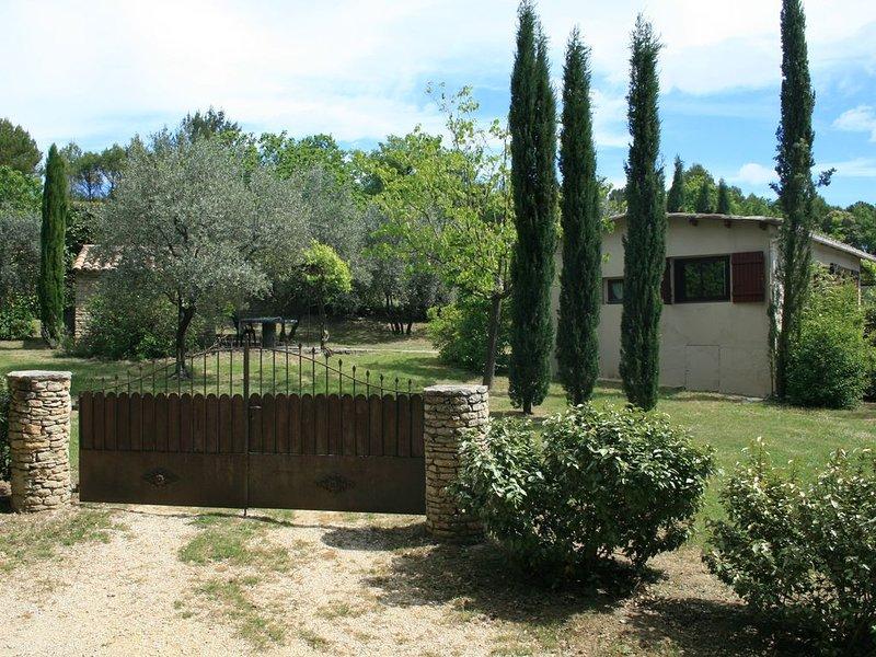 Un îlot de possibilités pour de vraies vacances: nature, air pur, visites, vacation rental in Puymeras