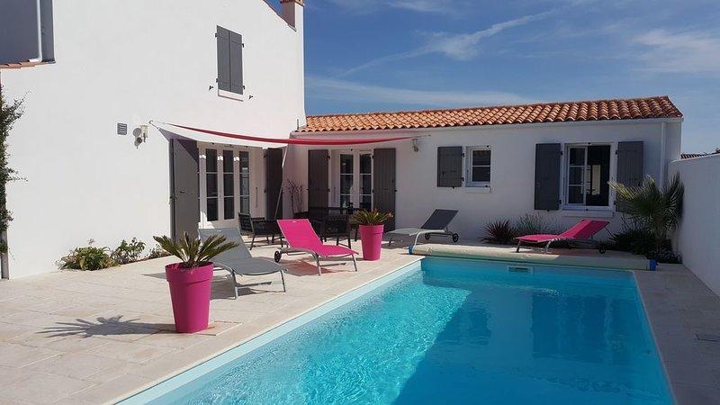Villa avec piscine chauffėe à 400 m de la mer , au calme,animaux acceptės, holiday rental in Ile d'Oleron
