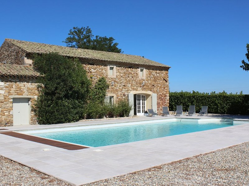 Pool 15mx7m with pool house of 90m2