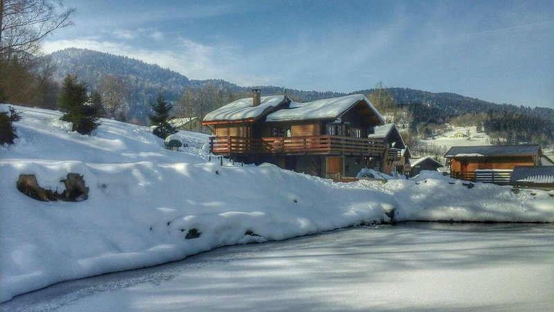 Charmant Chalet dans les Hautes Vosges, vacation rental in Le Thillot
