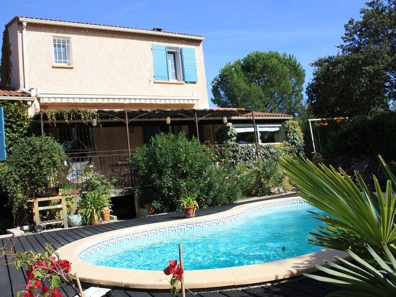 Maison avec Piscine à Trets, location de vacances à Pourrieres