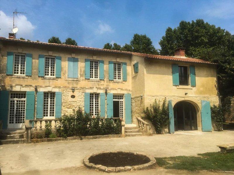 Mas Provençal au coeur de la Provence, location de vacances à Tarascon