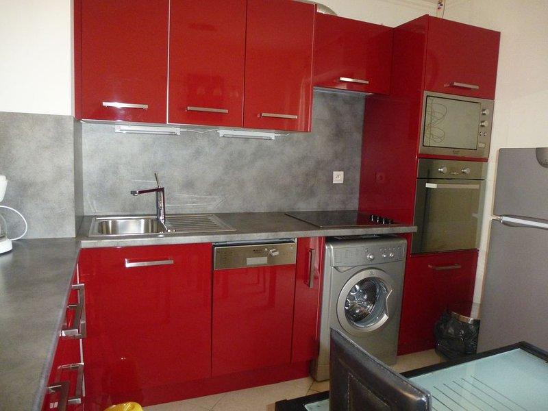 PROMO L'appartement 2 pièces, climatisé, garage, WIF,  à 50 m de la plage, Ferienwohnung in Villeneuve-Loubet