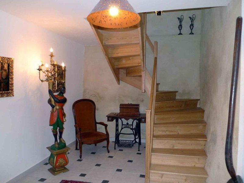 Gite 3Ter Maison au centre du village  médieval 11160 Caunes Minervois Languedoc, location de vacances à Caunes-Minervois