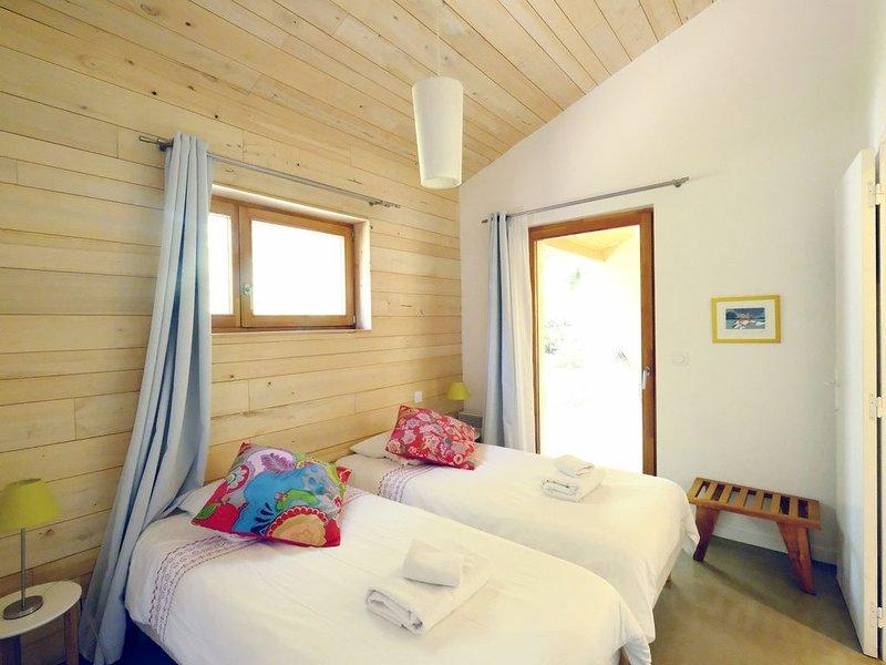 Agréable Maisonette, Piscine, rénovée par architectes à Sarlat, casa vacanza a Saint-Cybranet