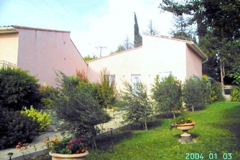 Gite Fleuri Soupex(Aude), holiday rental in Montmaur