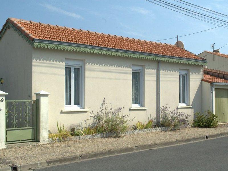 Maison CHATELAILLON - 500 m plage - 300 m centre  - 3 étoiles - animaux acceptés, holiday rental in Saint Vivien