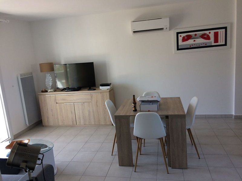 Appartement T3 de 60m2 centre calvi, holiday rental in Calvi