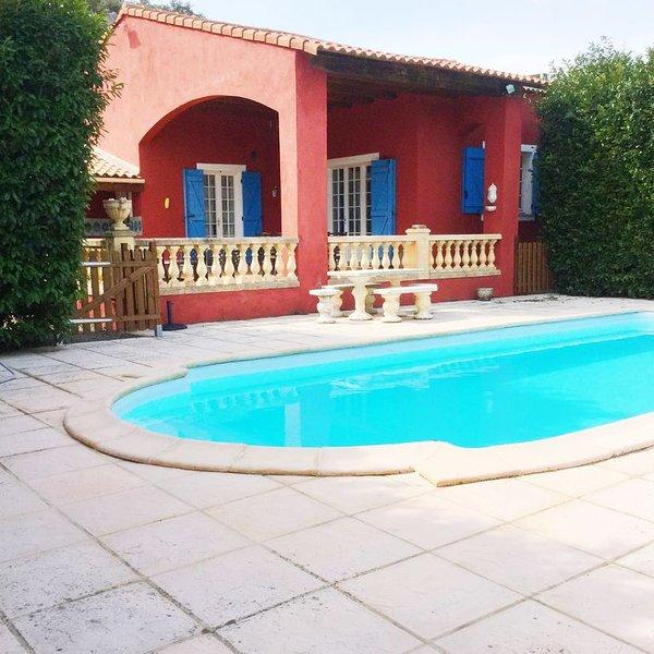 Maison Provençale avec Piscine & Wifi, location de vacances à Gonfaron