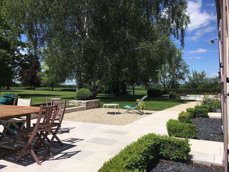 Magnifique propriété avec piscine privée, location de vacances à Varzy
