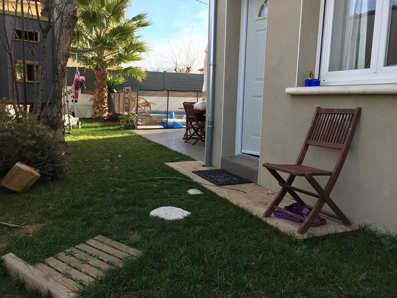 VILLA 120 M2 AVEC PISCINE PRIVEE SUR JARDIN CLOS A 150 M DE LA PLAGE, location de vacances à Frontignan