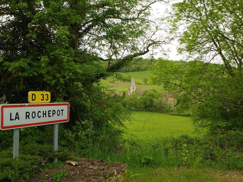 Une vieille demeure bourguignonne au milieu d'un village viticole, vacation rental in Chassagne-Montrachet
