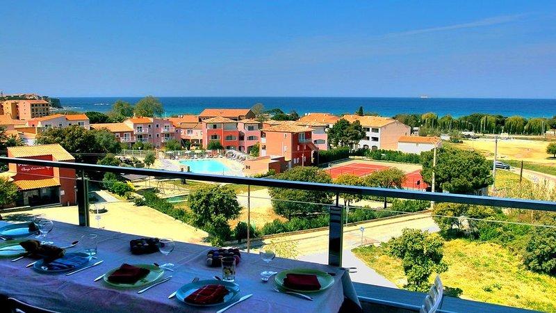 Appartement neuf avec vue mer imprenable, location de vacances à Pigna
