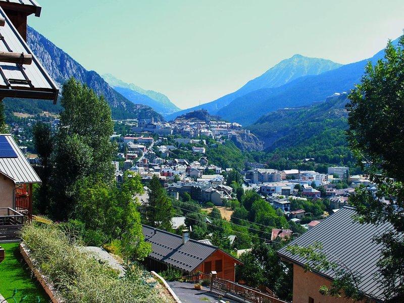 Chalet BRIANCON vue panoramique et dégagée sur la vallée /ski et randonnées, location de vacances à Briançon