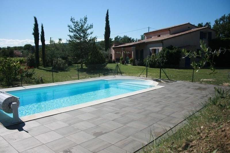 Maison de campagne en haute Provence 10 à 12 personnes, alquiler vacacional en Mirabel-aux-Baronnies