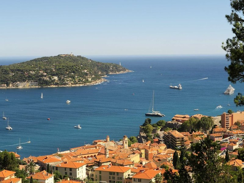 Lovely appartment with breathtaking seaview, Ferienwohnung in Villefranche-sur-Mer