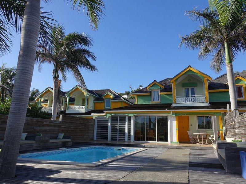 Villa avec piscine privée à quelques pas de la plage d'Orient Bay., holiday rental in Orient Bay