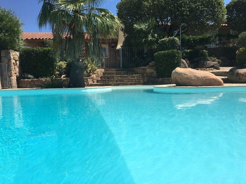 Villa de Charme piscine privée chauffée Santa Giulia Palombaggia saison 2020, vacation rental in Porto-Vecchio