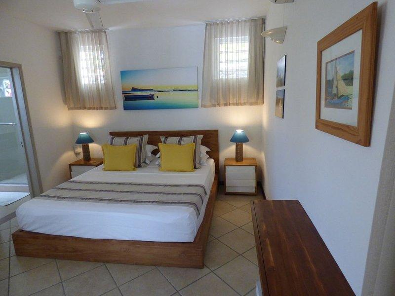 Coquette maison avec jacuzzi dans le jardin. Plage et mer à quelques pas., location de vacances à Cap Malheureux