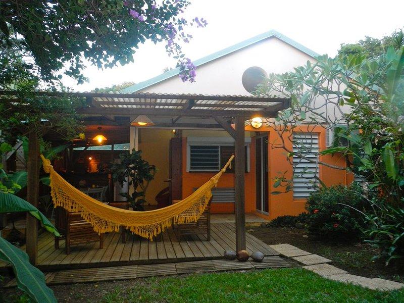 Gîte Ti Karet idéalement situé à Deshaies dans le Nord de Basse Terre, holiday rental in Bas Vent