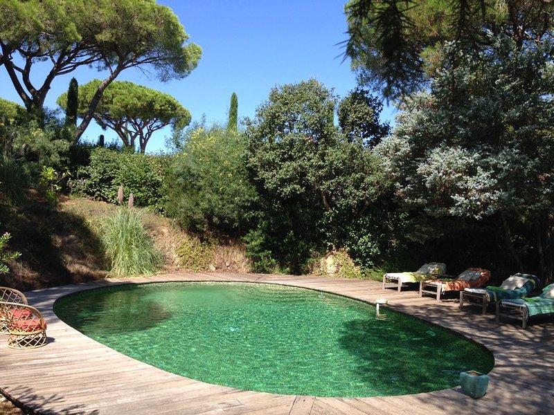 villa de charme typiquement provençale avec piscine  et jardin, location de vacances à Saint-Tropez