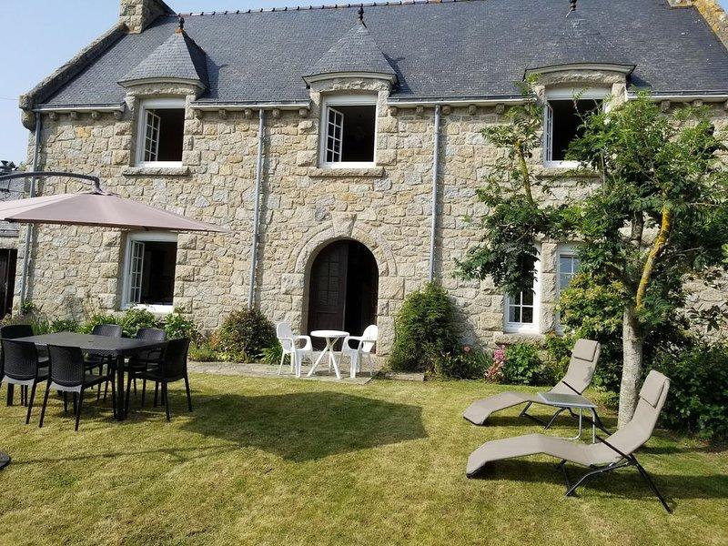 Maison à 10 et 15 mn à pied des plages, du Golf et du centre, WIFI, Balançoire, aluguéis de temporada em Pleneuf-Val-Andre