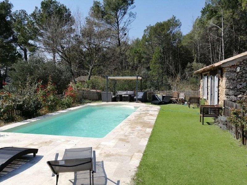 Villa climatisée, piscine chauffée et pool-house, location de vacances à Sillans-la-Cascade