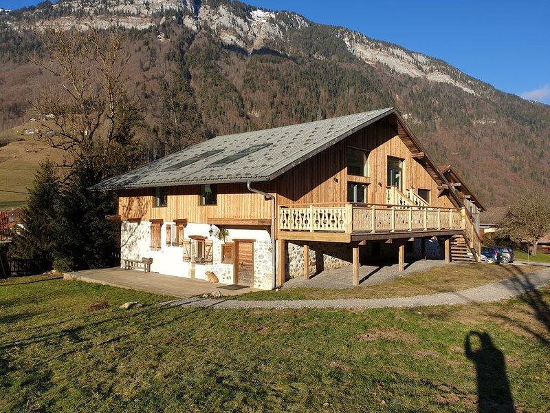 Chalet Jamoo, authentique ferme rénovée au coeur des Aravis, location de vacances à Le Petit-Bornand-les-Glières