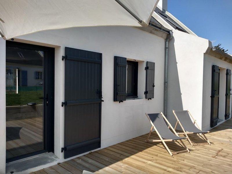 Maison neuve Belle Iloise dans le petit village de Pouldon, vacation rental in Locmaria