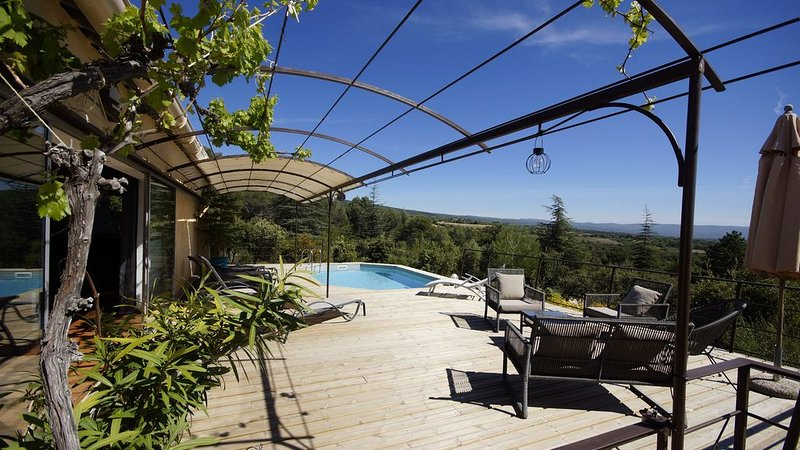 En pleine nature maison d'exception, holiday rental in Flassan