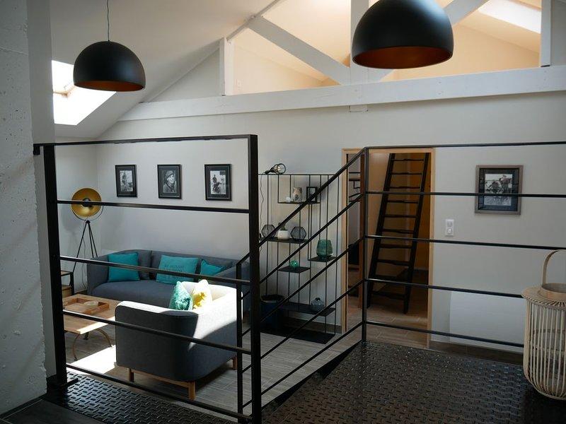 Appartement contemporain avec terrasse, centre ville, 100 m de la mer, vacation rental in Loctudy