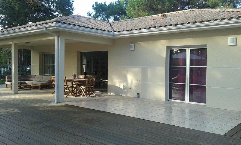 Belle villa récente au Cap Ferret.Quartier recherché du Mimbeau, holiday rental in Lege-Cap-Ferret