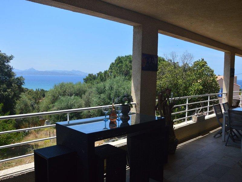 Maison Villa avec vue panoramique sur la mer et agriate, holiday rental in Ogliastro