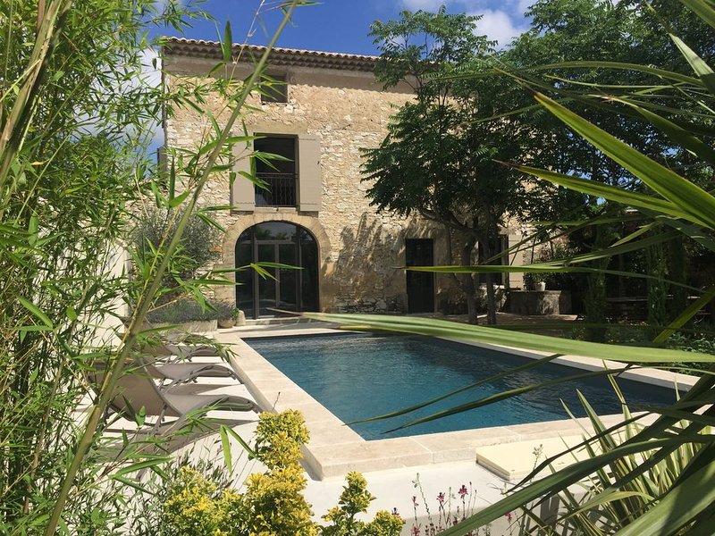 Mas du Félibre Gite en Provence ****, casa vacanza a Caumont-sur-Durance
