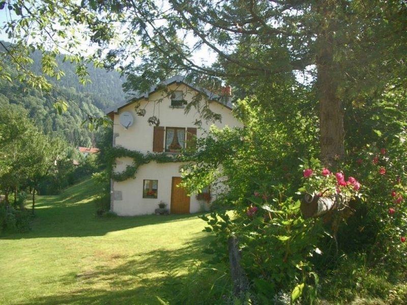 A 8 km  de Gérardmer, maison indépendante au calme, en pleine nature., location de vacances à Vosges