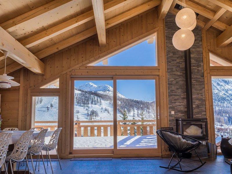 Magnifique chalet proche des pistes et au coeur du village - 14 à 20 personnes, holiday rental in Val-des-Pres