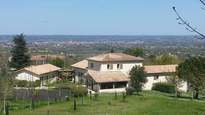 Villa de Prestige à Monbazillac, 5Km Bergerac, Piscine, Sauna, Aquabike, location de vacances à Monbazillac