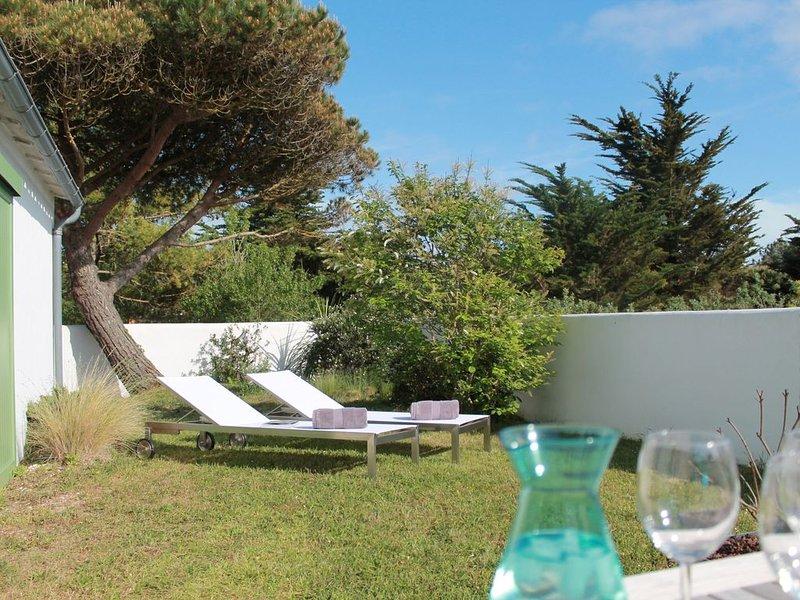 Villa sans vis à vis à 100m de la plage par un chemin traversant les dunes, holiday rental in Ile de Re
