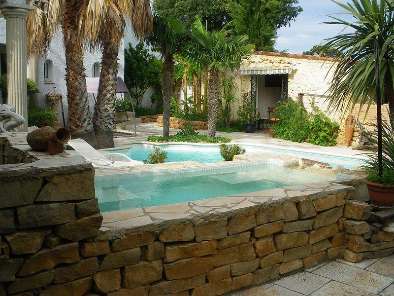 Villa avec jardin magnifique entre mer et montagne, holiday rental in Pailhes