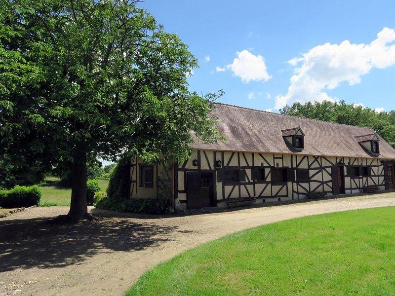 Maison de caractère, 10  personnes,  piscine privée ., location de vacances à Thiel-sur-Acolin