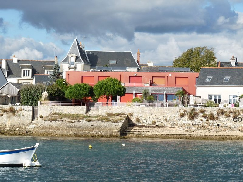 4**** Maison lumineuse avec superbe vue mer, accès TGV, plage à 500 mètres, casa vacanza a Port-Louis