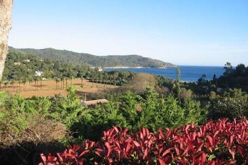 petit mas mitoyen secteur GIGARO , très belle vue mer, plages à pièd, location de vacances à La Croix Valmer