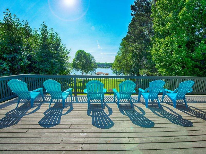 Waterfront Retreat w/ Private Dock at Lake Anna!, casa vacanza a Bumpass