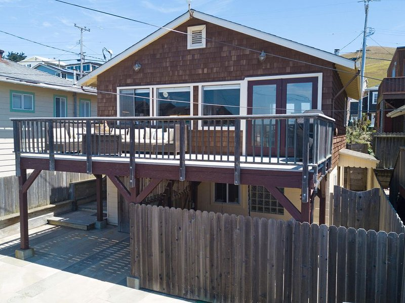Charming Dillon Beach Cottage, holiday rental in Dillon Beach