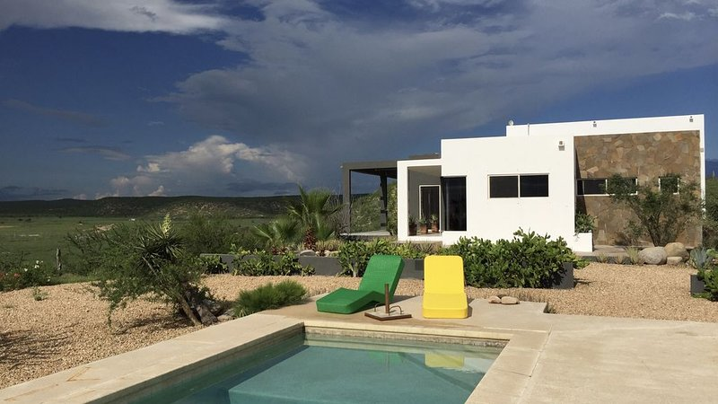 Mi Casa, in the Desert Between Ocean and Mountains, holiday rental in Todos Santos